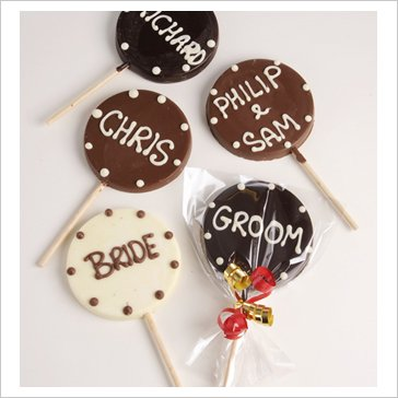 round lollipops wedding